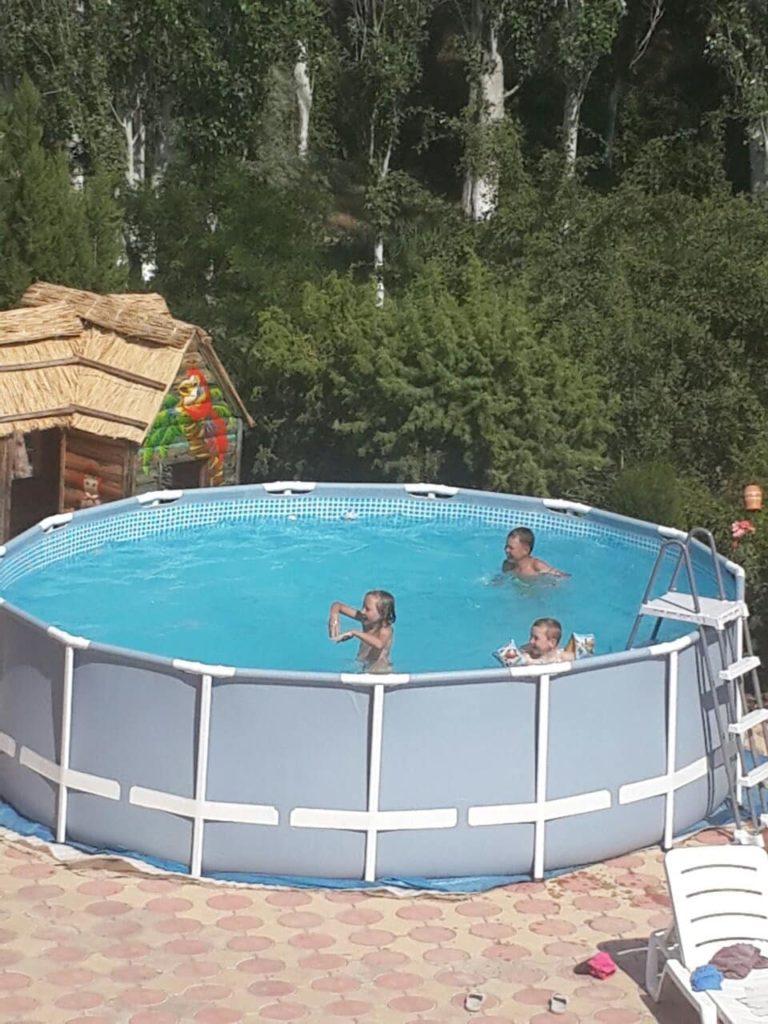 Бассейн для детей в отеле Воробьиное гнездо в Судаке