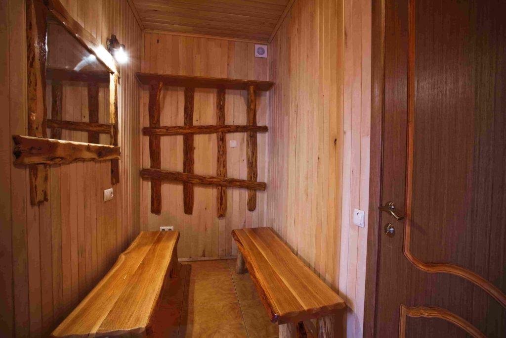 Комната для переодевания в сауне Воробьиное гнездо