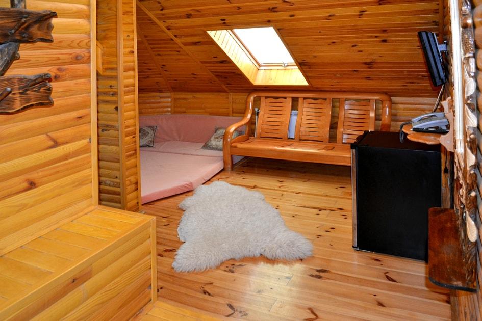 Дастархан в вип номере отеля Воробьиное гнездо